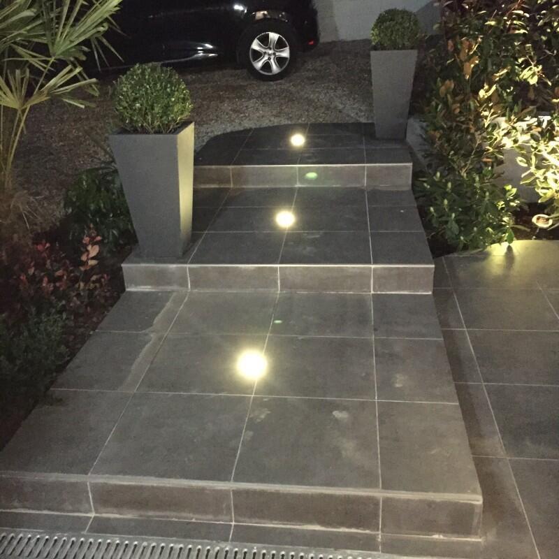 Comment disposer des spots sur une terrasse ?