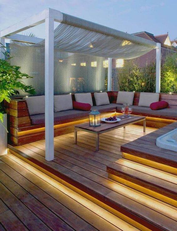 Comment installer des spots sur une terrasse en bois ?
