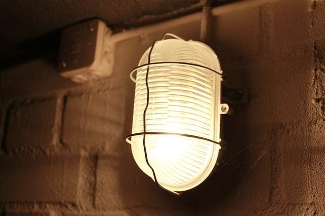 Comment mettre de la lumière dans un garage ?