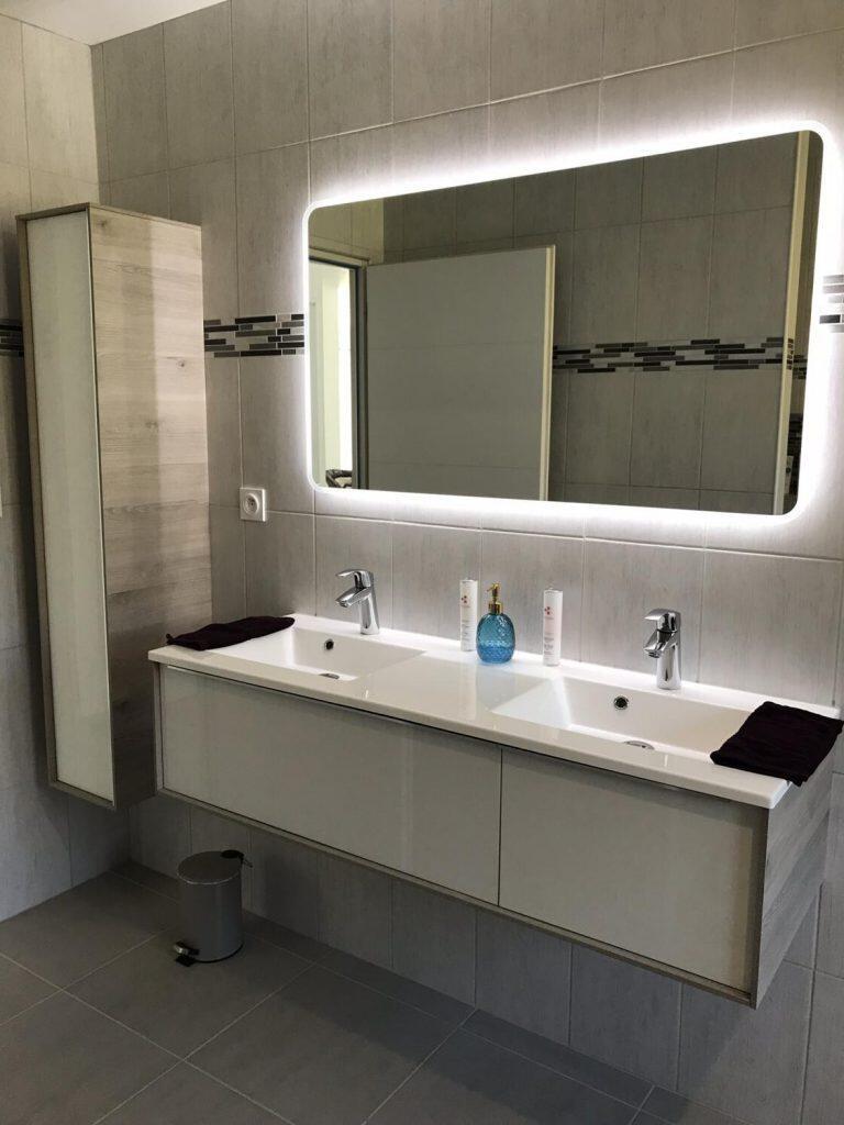 Quel luminaire Au-dessus miroir salle de bain ?