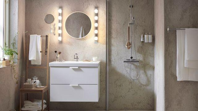 Comment installer une lampe dans la salle de bain ?